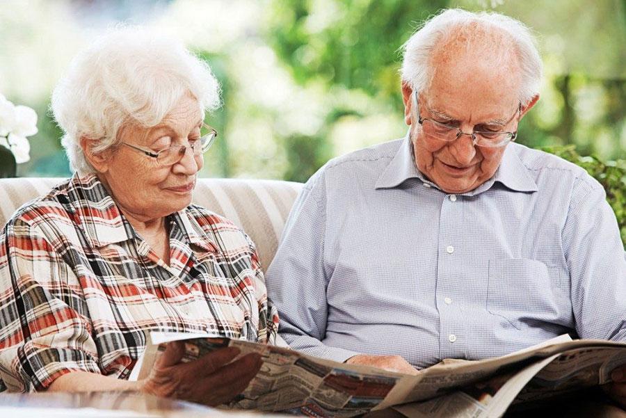 двое пенсионеров